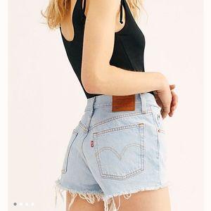 Levis 501 jean shorts size 24